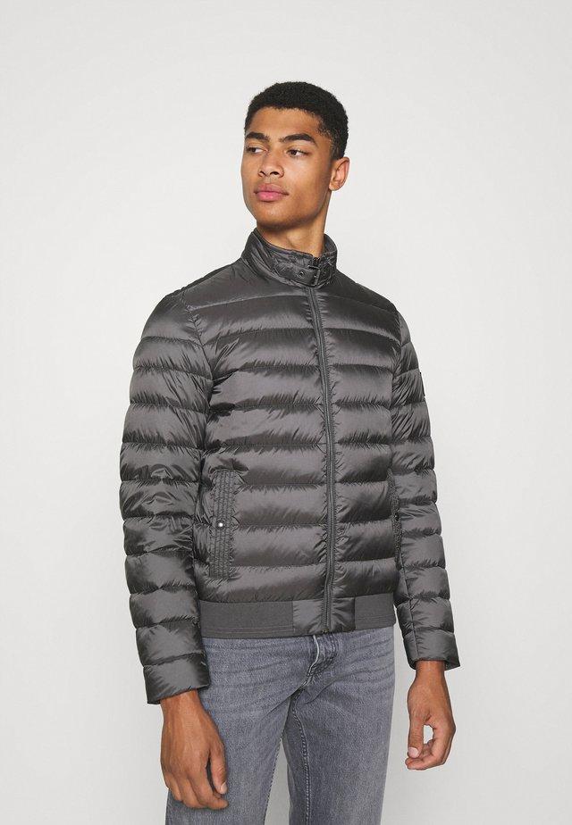 CIRCUIT JACKET - Gewatteerde jas - dark granite grey
