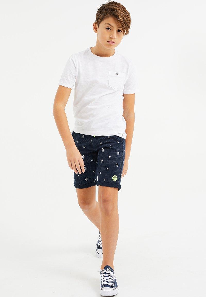 WE Fashion - MET PALMBOOMOPDRUK - Shorts - dark blue