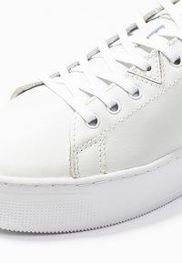 HUB - HOOK XL - Tenisky - white - 2