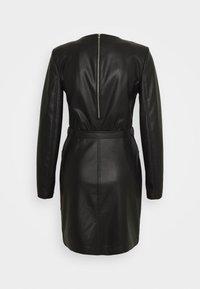 Patrizia Pepe - ABITO DRESS - Shift dress - nero - 1