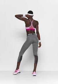 Nike Performance - CROP - Leggings - black/white - 2