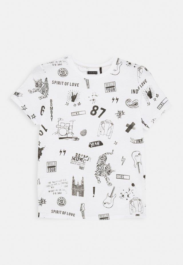 TIGER - Print T-shirt - blanc cassé imprimé