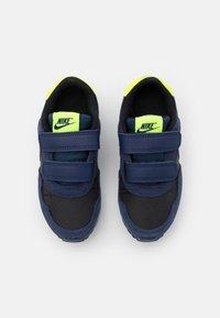 Nike Sportswear - VALIANT UNISEX - Trainers - black/astronomy blue/midnight navy/volt - 3