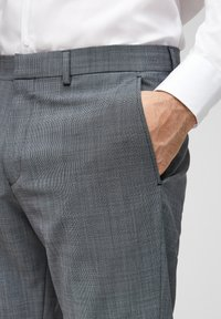 s.Oliver BLACK LABEL - Pantaloni eleganti - dark blue check - 4