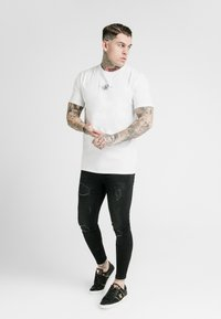 SIKSILK - SQUARE HEM TEE - Basic T-shirt - white - 1