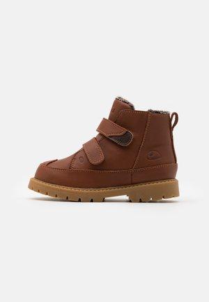 FAIRYTALE WARM WP UNISEX - Winter boots - cognac