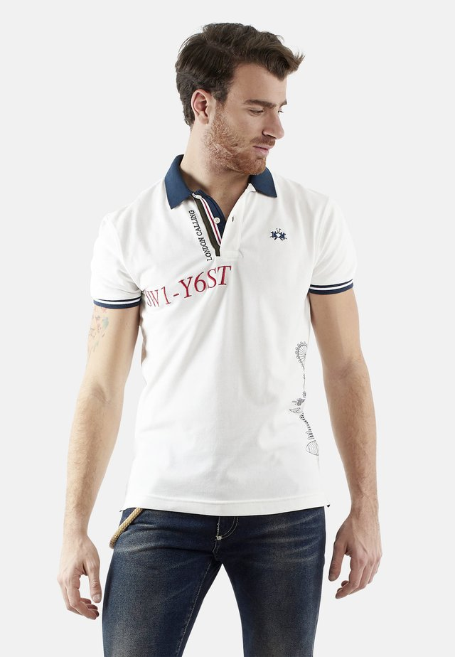 QUADRATZAHL - Polo - off white