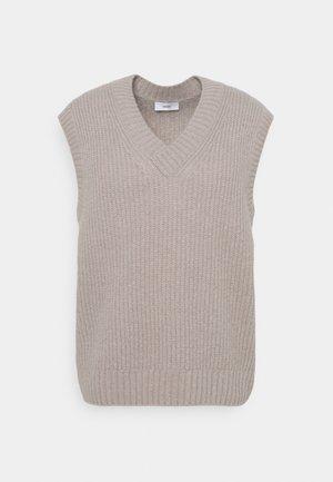 Stickad tröja - foreshore