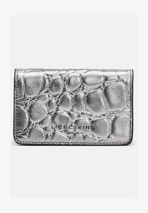 KROKO METALLIC CARDI KLEINE KROKODIL - Wallet - silver lead