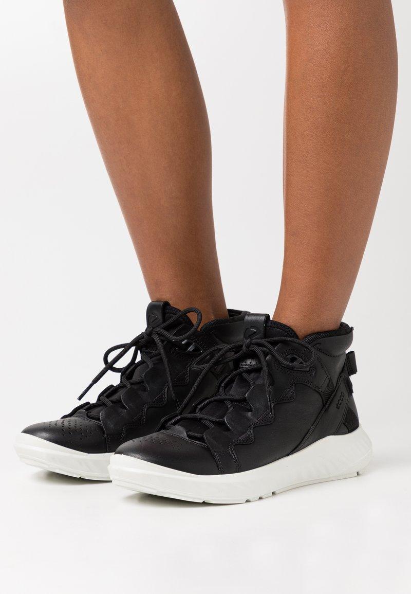 ECCO - ST.1 LITE - Sneakersy wysokie - black