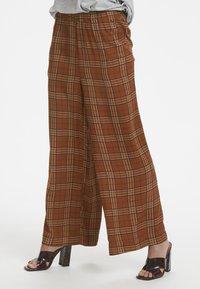 Karen by Simonsen - MICHIGANKB - Spodnie materiałowe - camel - 0