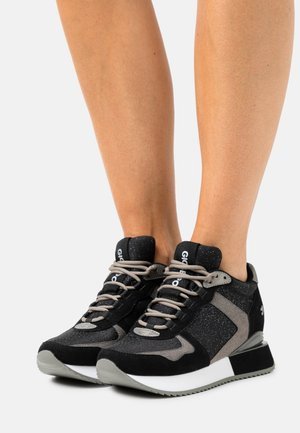 RENDALEN - High-top trainers - black