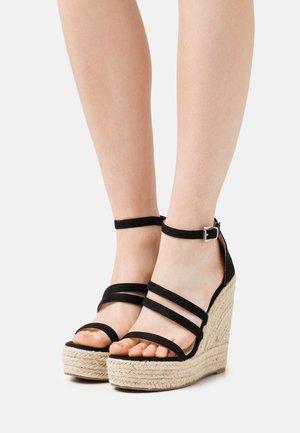 MIRELLE - Sandály na platformě - black