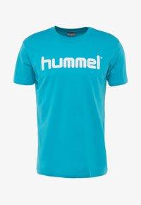 Hummel - GO LOGO - T-shirts print - bluebird - 3