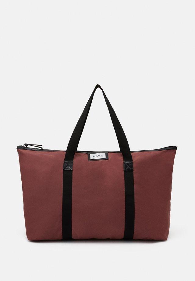 GWENETH BAG - Weekend bag - riad rose
