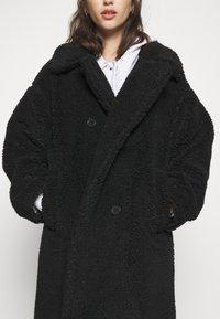 Monki - TEDDY COAT - Classic coat - black - 5