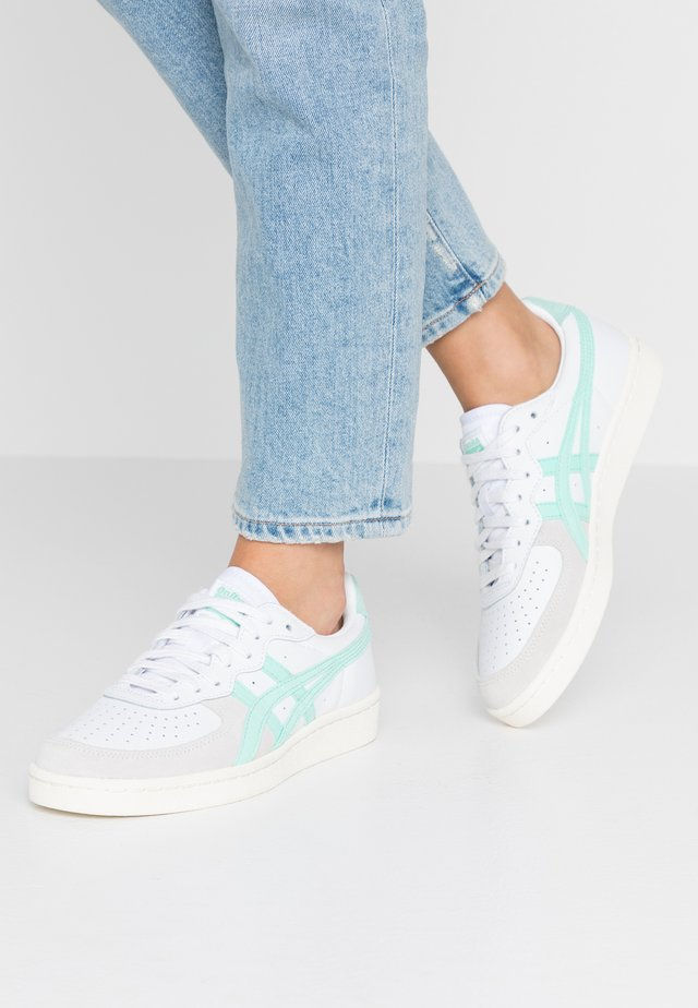 Trainers - white/ice green