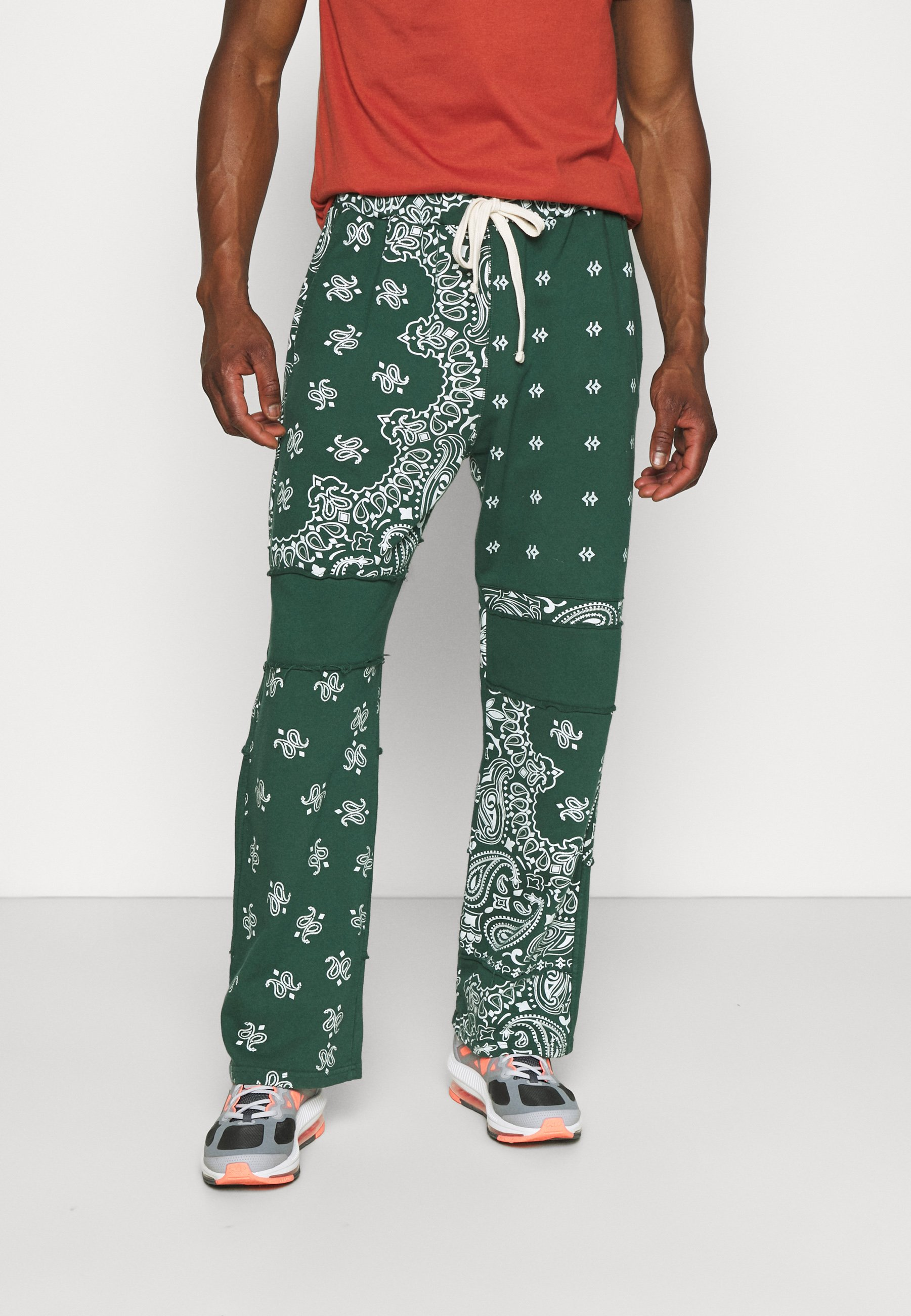 Men CUT AND SEW WIDE LEG JOGGERS - Tracksuit bottoms