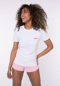 AÉROPOSTALE - Print T-shirt - white - 0