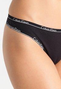 Calvin Klein Underwear - 2 PACK - Stringi - black - 3