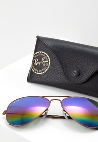 Ray-Ban - 0RB3025 AVIATOR - Solbriller - bronze-coloured/copper light grey rainbow - 3