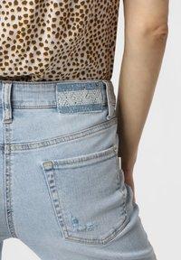 Cambio - LIU - Slim fit jeans - bleached - 2