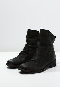 Felmini - GREDO - Classic ankle boots - black - 3