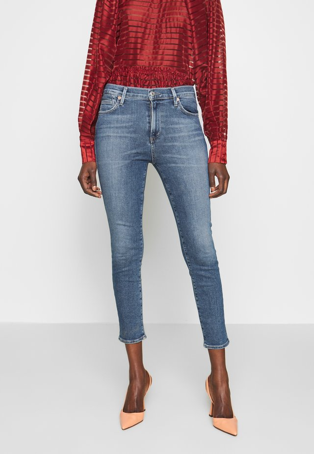 ROCKET CROP MID RISE SKINNY - Jeansy Skinny Fit - story