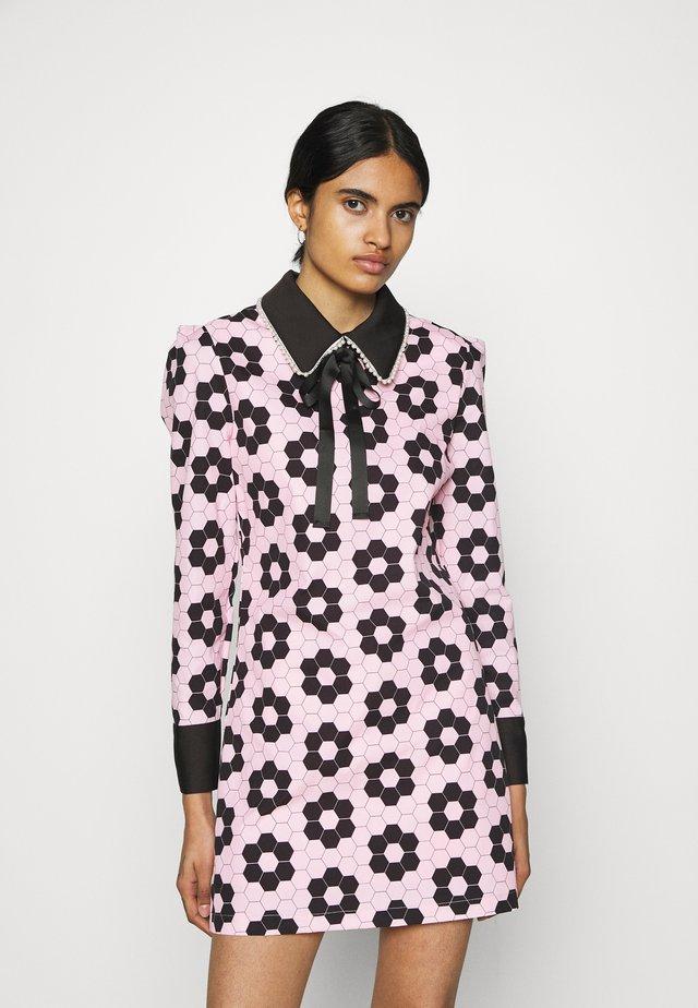 EXCLUSIVE RABBIT DRESS - Korte jurk - pink