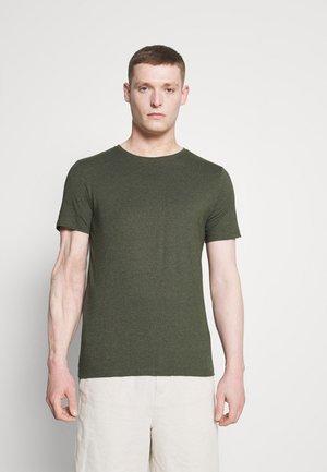 MOULINÉ O NECK TEE - Basic T-shirt - army