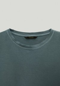 Massimo Dutti - Basic T-shirt - green - 4