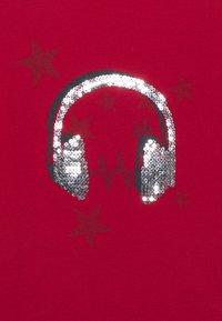 IKKS - EMBELLISHED HEAD PHONES PRINT  - T-shirt à manches longues - rouge foncé - 2