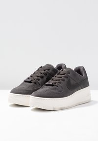 Nike Sportswear - AIR FORCE 1 SAGE - Sneakers laag - night stadium/phantom - 4