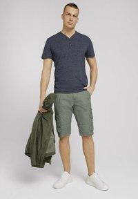 TOM TAILOR - Shorts - olive - 1