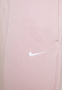 Nike Sportswear - PANT TREND PLUS - Tracksuit bottoms - champagne/white - 2
