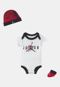 Jordan - RETRO SET UNISEX - Baby gifts - white - 0