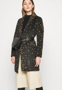 Vila - VILEOVITA COAT - Classic coat - carry over - 3