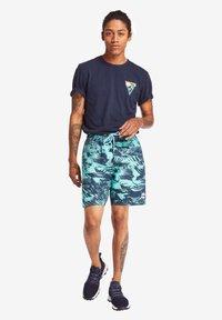 Timberland - COASTAL ROAMERS - Print T-shirt - dark blue - 1