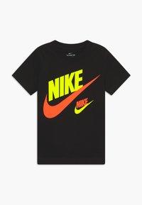 Nike Sportswear - DOUBLE FUTURA TEE - Camiseta estampada - black - 0