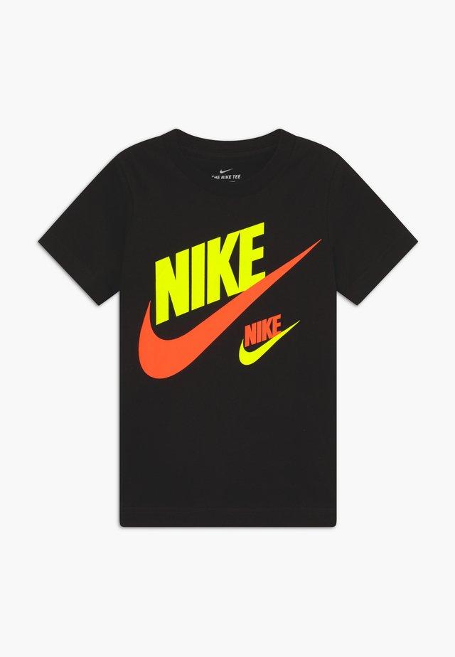 DOUBLE FUTURA TEE - T-shirt z nadrukiem - black