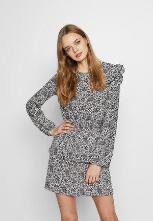 PAISLEY RARA RUFFLE MINI DRESS - Denní šaty - ivory