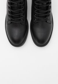 Nly by Nelly - LACE UP FLAT BOOT - Lace-up ankle boots - black - 5