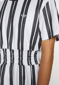 adidas Originals - DRESS - Vestido informal - white - 7