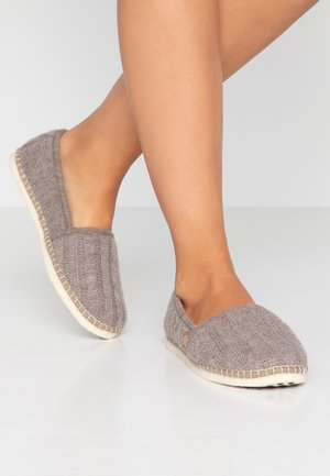 CLASSIC TRESSÉE VEGAN - Slippers - sable