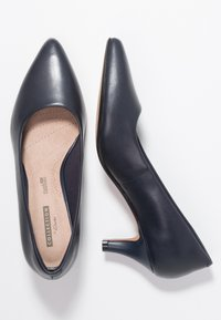 Clarks - LINVALE JERICA - Classic heels - navy - 3