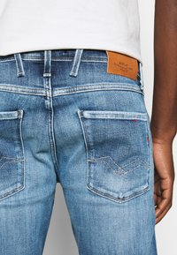Replay - ANBASS AGED - Slim fit jeans - medium blue - 5