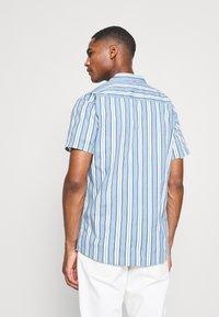Kronstadt - CUBA PRINTED STRIPE SHIRT - Shirt - light blue - 2