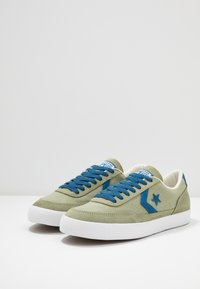 Converse - NET STAR - Sneakersy niskie - street sage/court blue/white - 2