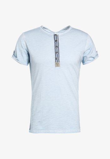 ARENA - Print T-shirt - skyblue