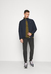 GANT - QUILTED WINDCHEATER - Chaqueta de entretiempo - evening blue - 1